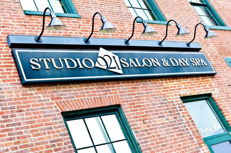 background photo for Studio 921 Salon & Spa